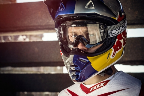 Jarno Schurgers Photography Nick Beer Downhill Mountainbiker Portrait Portretfotografie